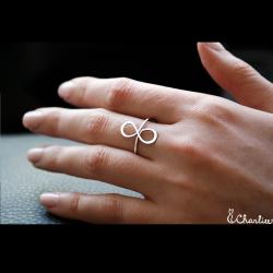 Tepaný prsten Infinity I.