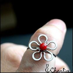 Tepaný prsten Květ - Korál